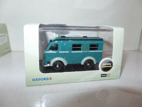 Oxford 76AK004 AK004 1/76 OO Scale Austin Welfarer Ambulance Nottingham Green